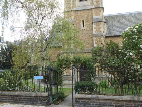 Une église dans le quartier résidentiel de Kensington