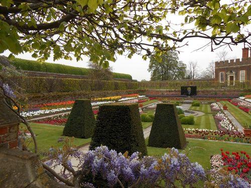 Encore un autre jardin à Hampton Court Palace…
