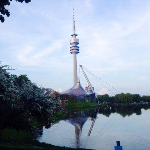 Der Olympiaturm - Parc olympique de Munich