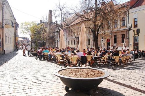 Piata Muzeului - Centre ville